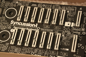 Syncussion SY-1 Kit PCBs mit Fadern