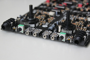 Syncussion SY-1 Voice Board Detail